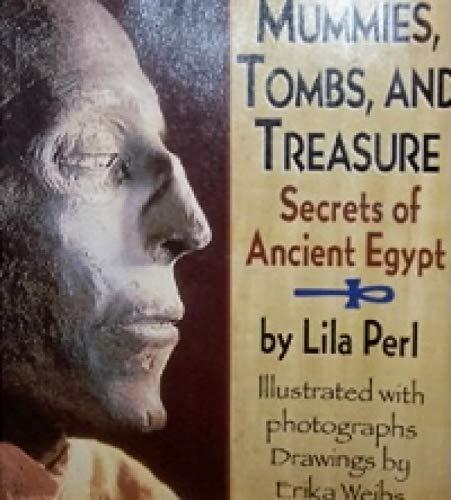9780590962261: Mummies Tombs and Treasure Secrets of An