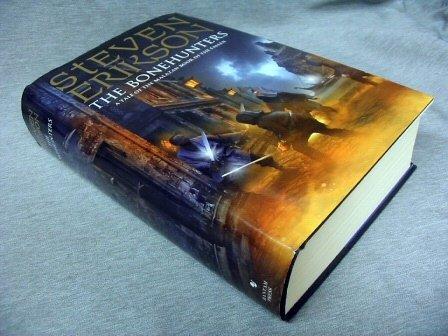 9780593046296: The Bonehunters: Malazan Book Of Fallen 6