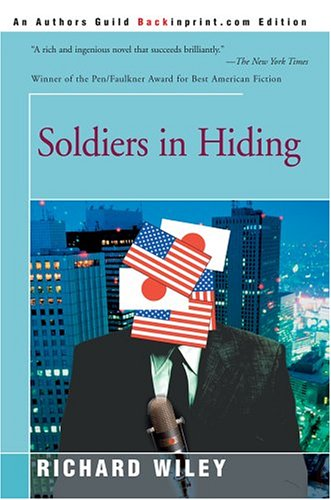 9780595326617: Soldiers in Hiding