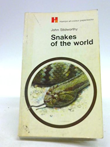 9780600000785: Snakes of the world; (Hamlyn all-colour paperbacks, natural history)