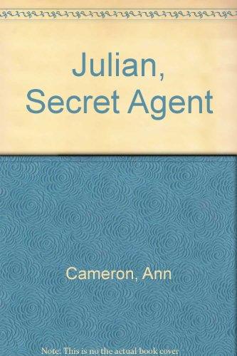 9780606038355: Julian, Secret Agent