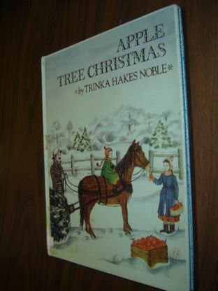 9780606039789: Apple Tree Christmas
