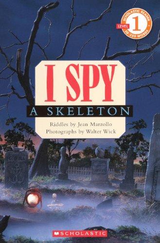 9780606146920: I Spy a Skeleton (Scholastic Reader, Level 1)