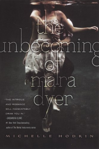 9780606269094: The Unbecoming of Mara Dyer