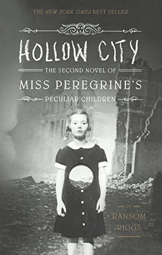 9780606363945: Hollow City