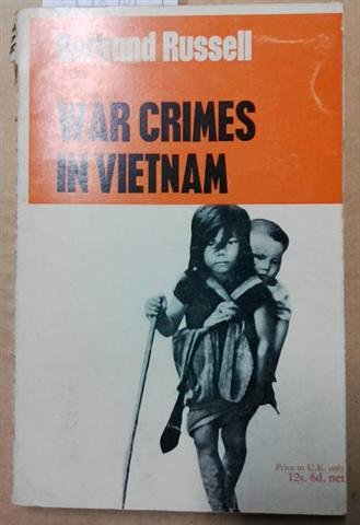 9780608304892: War crimes in Vietnam