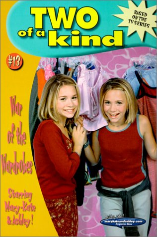 9780613318761: War of the Wardrobes (Two of a Kind (Pb))