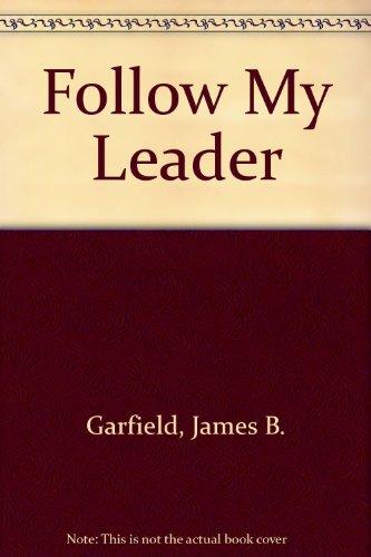 9780613969840: Follow My Leader