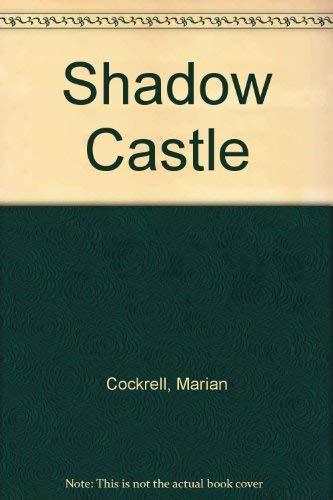 9780613983082: Shadow Castle