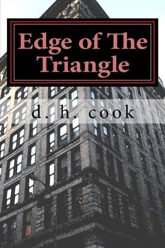 9780615461908: Edge of The Triangle