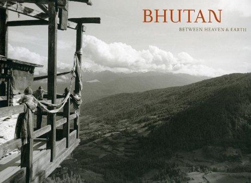 9780615499338: Bhutan: Between Heaven & Earth