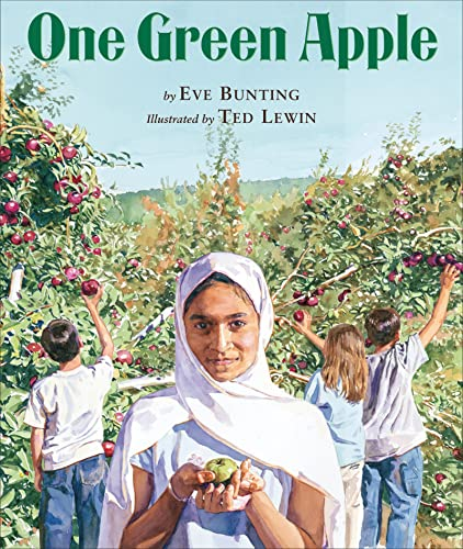 9780618434770: One Green Apple