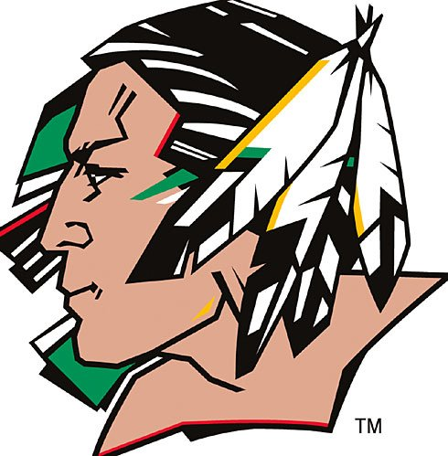 9780641620737: 75 Years of Fighting Sioux Hockey History