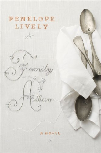9780670021246: Family Album: A Novel