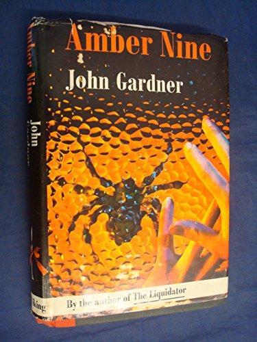 9780670115358: Amber Nine