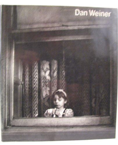 9780670256457: Dan Weiner, 1919-1959 (ICP library of photographers)