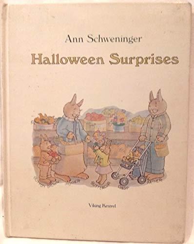 9780670359356: Halloween Surprises