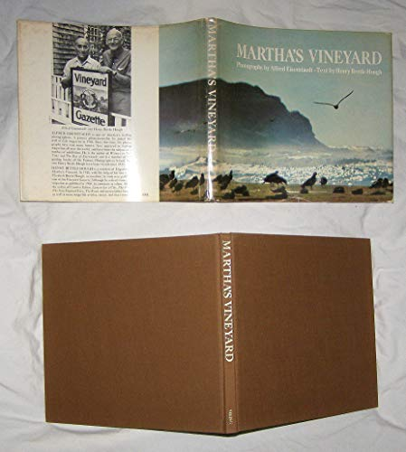 Martha's Vineyard: Hough, Henry Beetle with Photographs by Alfred Eisenstaedt