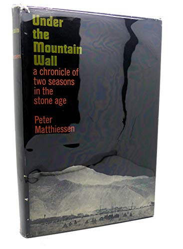 9780670739141: Under the Mountain Wall: A Chronicle of Two Seasons in Stone Age New Guinea