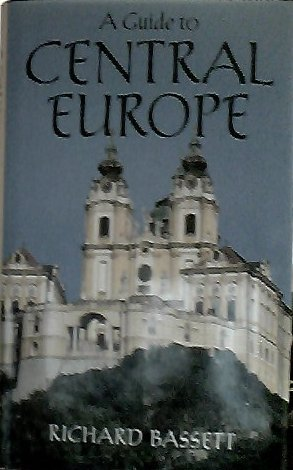 9780670811137: A Guide to Central Europe