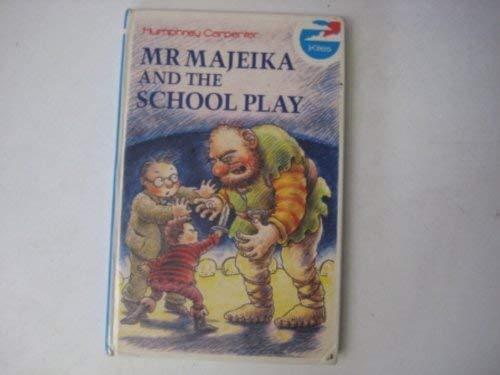 9780670831685: Mr. Majeika and the School Play (Kestrel kites)