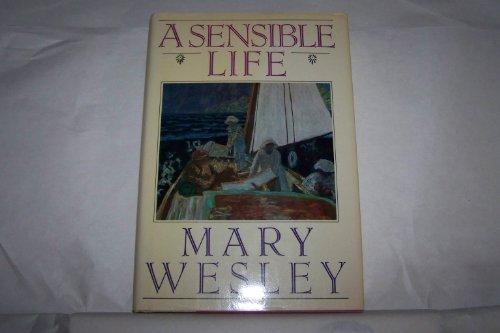 9780670833382: A SENSIBLE LIFE.
