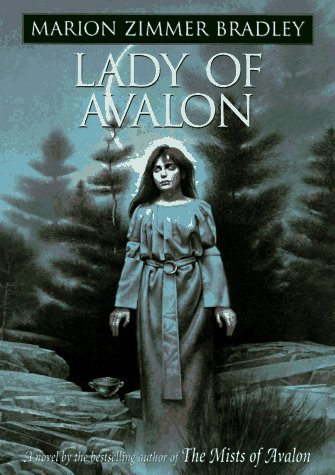 9780670857838: Lady of Avalon