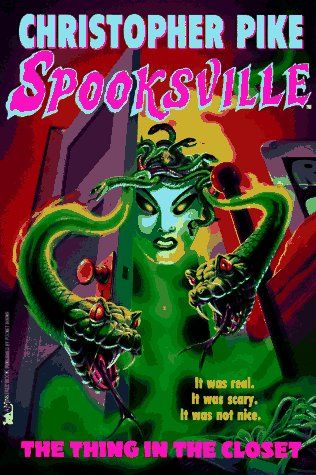 9780671002657: The Thing in the Closet: Spooksville# 17 (Pike, Christopher. Spooksville, No. 17.)