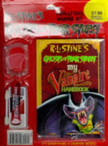 9780671003456: GHOST OF FEAR STREET COMPLETE VAMPIRE KIT - BLISTER PACK (R.L. Stine's Ghosts of Fear Street)