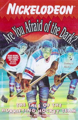 9780671025175: The TALE OF THE HORRIFYING HOCKEY TEAM: ARE YOU AFRAID OF THE DARK? #23