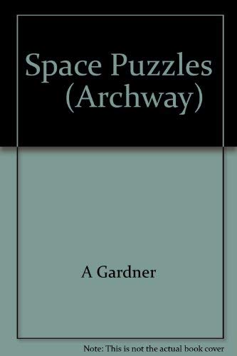 9780671298388: Space Puzzles: Curious Questions and Answers About the Solar System