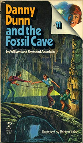 9780671299682: Danny Dunn and the Fossil Cave