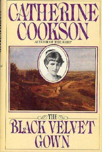 9780671467883: The Black Velvet Gown