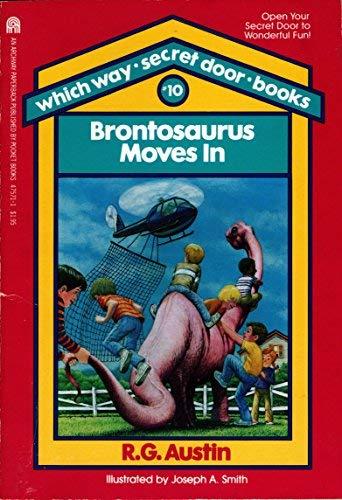 9780671475710: Brontosaurus Moves in