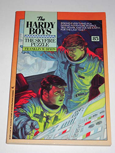 9780671497316: The Skyfire Puzzle (Hardy Boys Digest, Book 85)