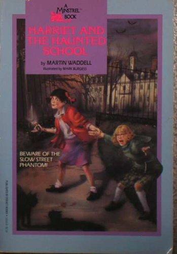 9780671522155: Harriet and the Haunted School