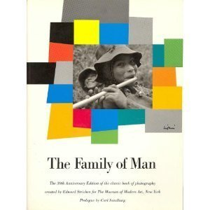 9780671554118: The Family of Man
