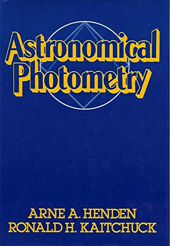 9780671609382: Astronomical Photometry