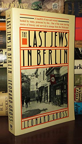 9780671657246: The Last Jews in Berlin