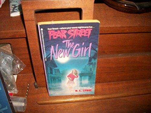 9780671676858: The New Girl (Fear Street)