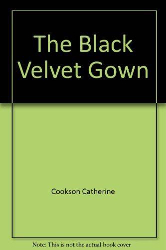 9780671682538: Title: The Black Velvet Gown