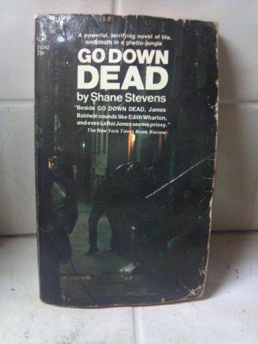 9780671752422: Go Down Dead