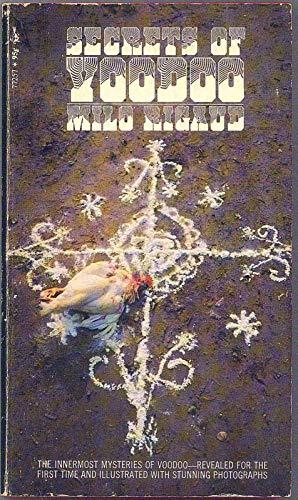 9780671772574: Secrets of Voodoo