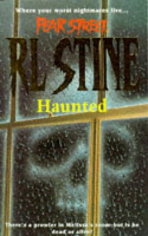 9780671851279: Haunted (Fear Street)