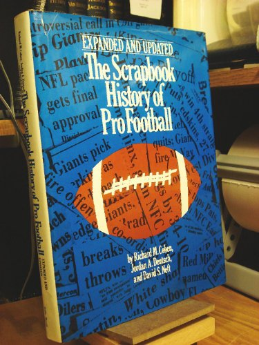 9780672526138: The Scrapbook history of pro football, 1893-1979