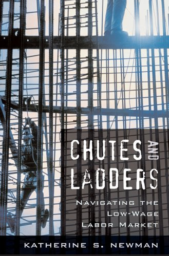 9780674023369: Chutes and Ladders: Navigating the Low-Wage Labor Market