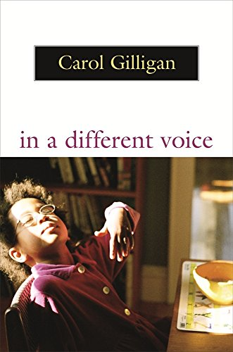 9780674445437: In a Different Voice: Psychological Theory and Women's Development