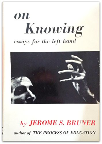 9780674635005: On Knowing: Essays for the Left Hand