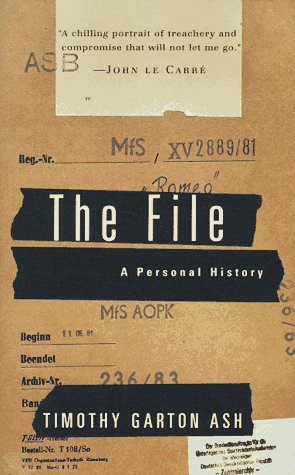 9780679455745: The File: A Personal History