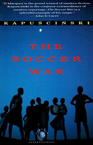 9780679738053: The Soccer War (Vintage International)